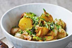Spicy varm kartoffelsalat