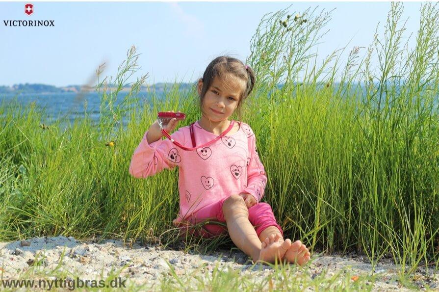 Victorinox Børnekniv i rød farve. Ægte schweizerkniv til børn