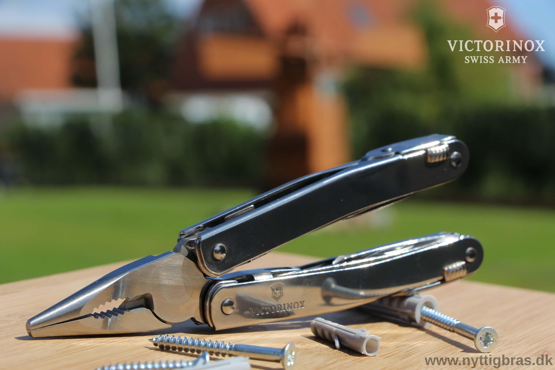 Portræt af Victorinox Swiss Tool X (Multitool)